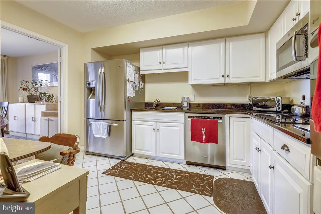 Kitchen - 5809 NICHOLSON LN #206, NORTH BETHESDA