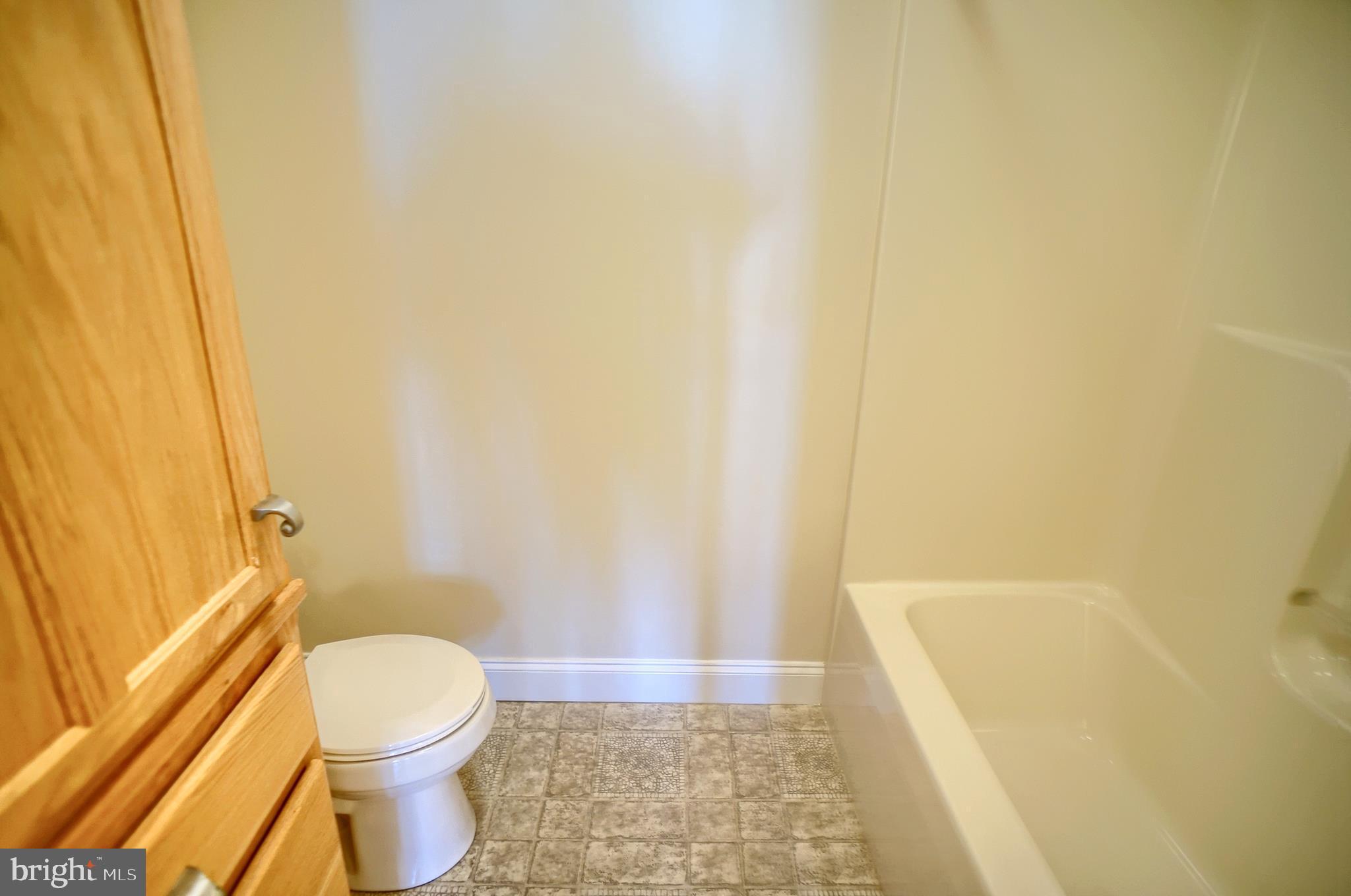 Main bath - 2nd Floor