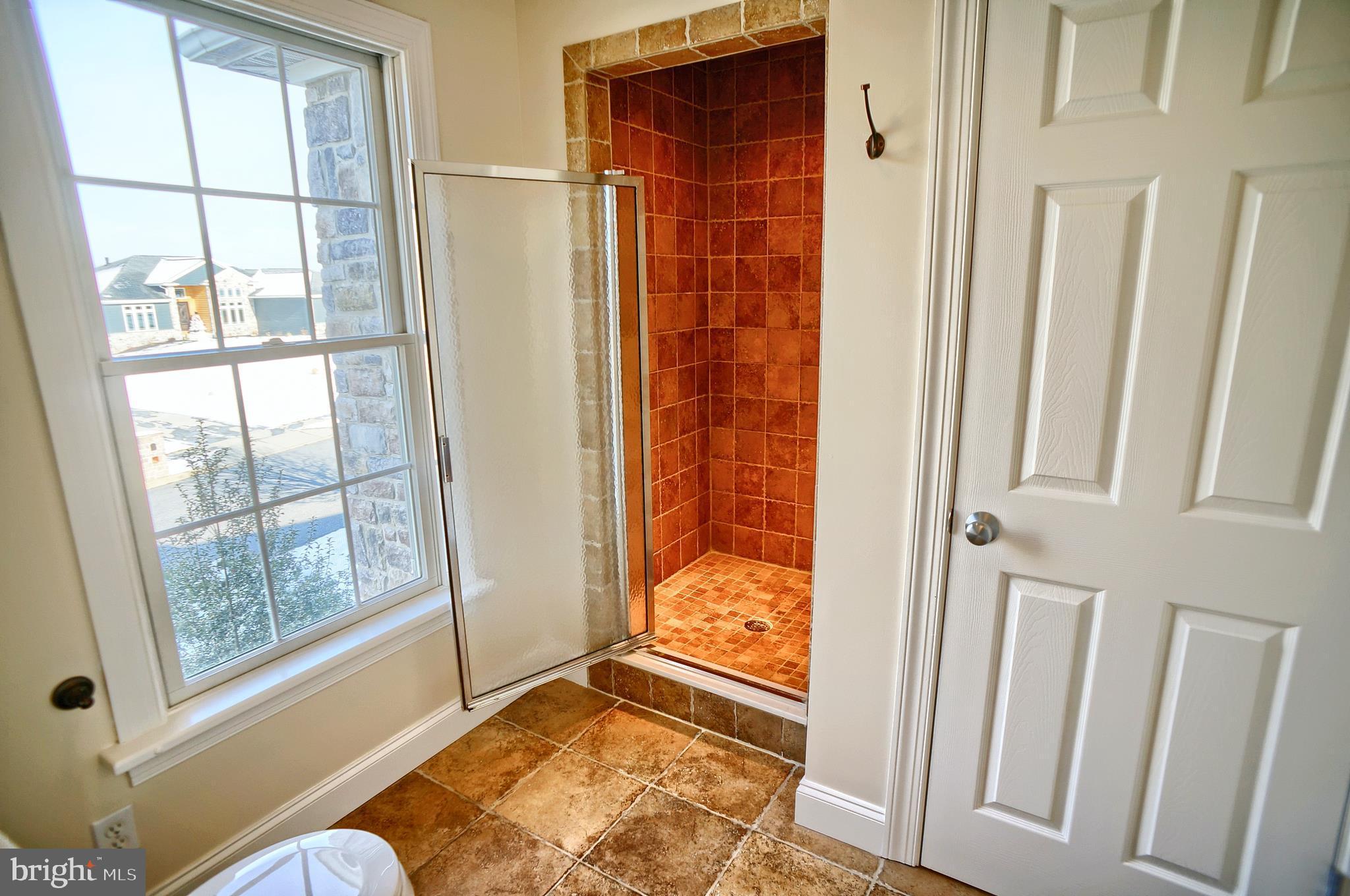 Master bathroom - 2nd floor