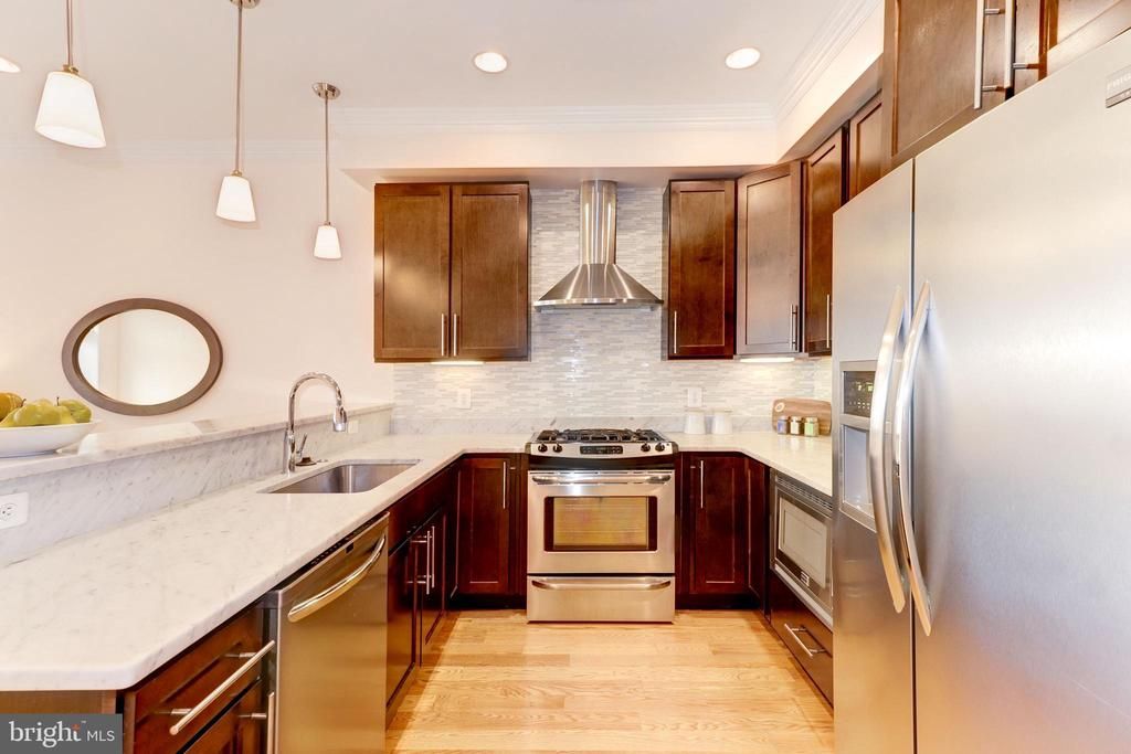 Kitchen - 2516 17TH ST NW #3, WASHINGTON