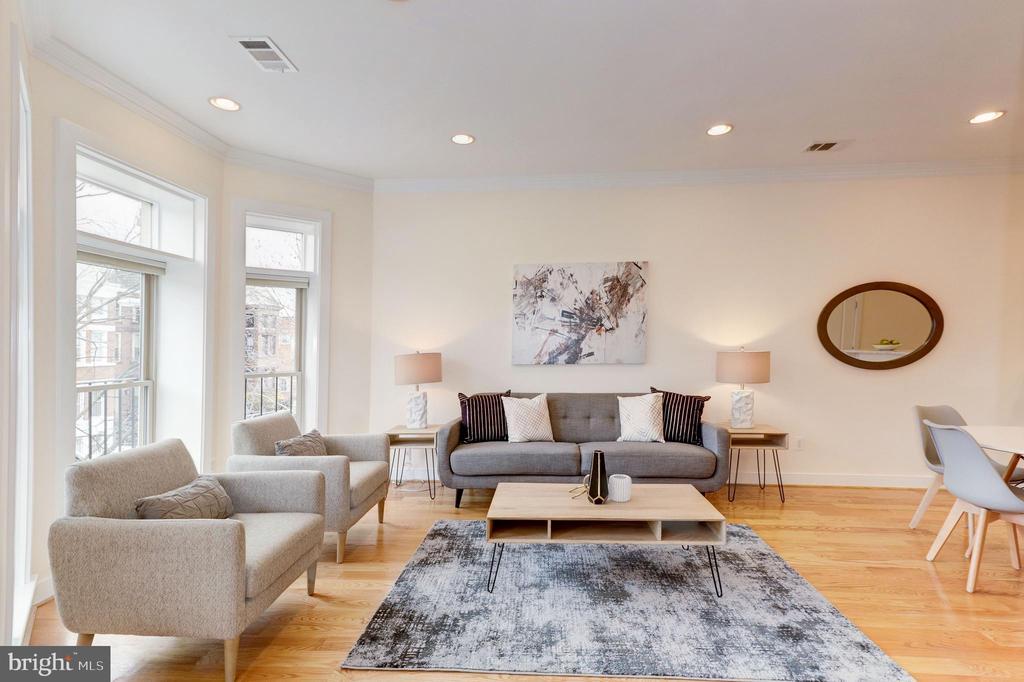 Living Room - 2516 17TH ST NW #3, WASHINGTON