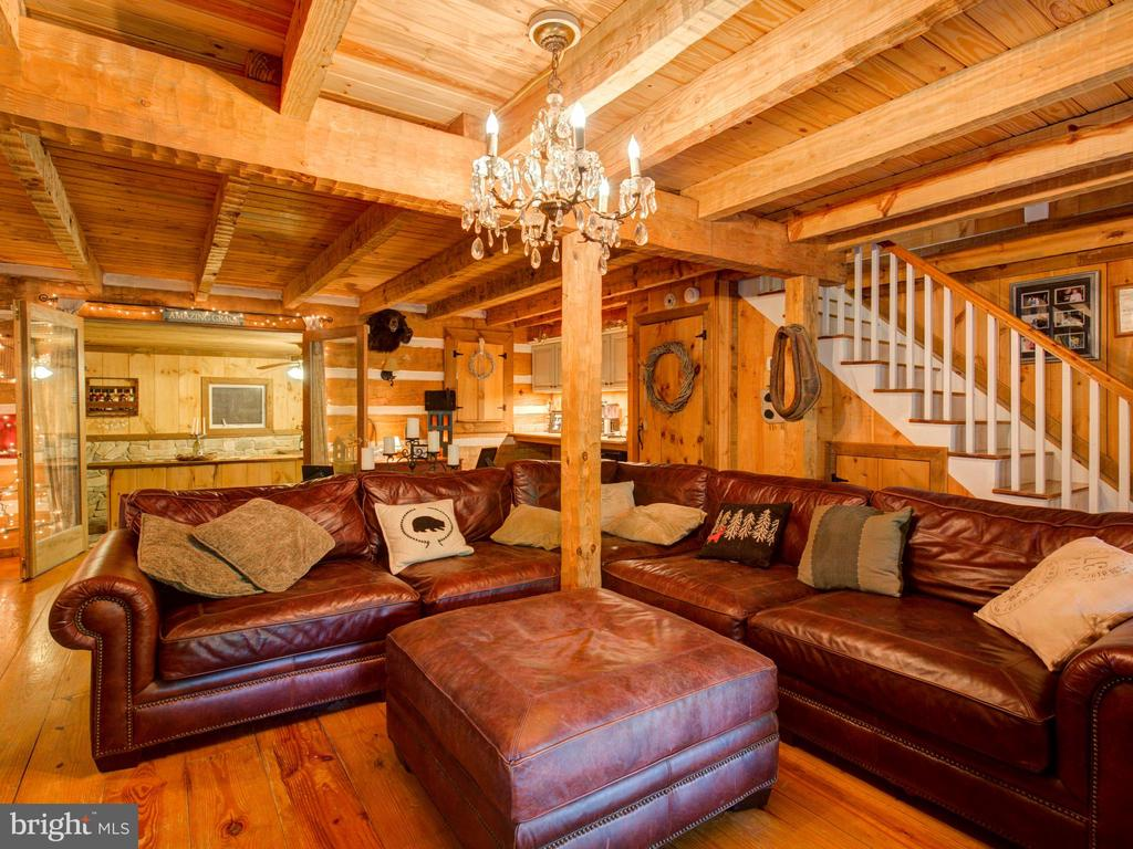 Main level Living area - 36847 STONY POINT RD, HILLSBORO