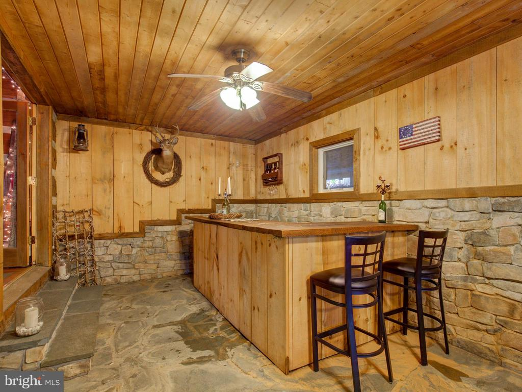 Main level bar/taisting area - 36847 STONY POINT RD, HILLSBORO