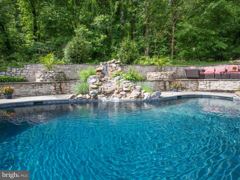 Waterfall - 36847 STONY POINT RD, HILLSBORO