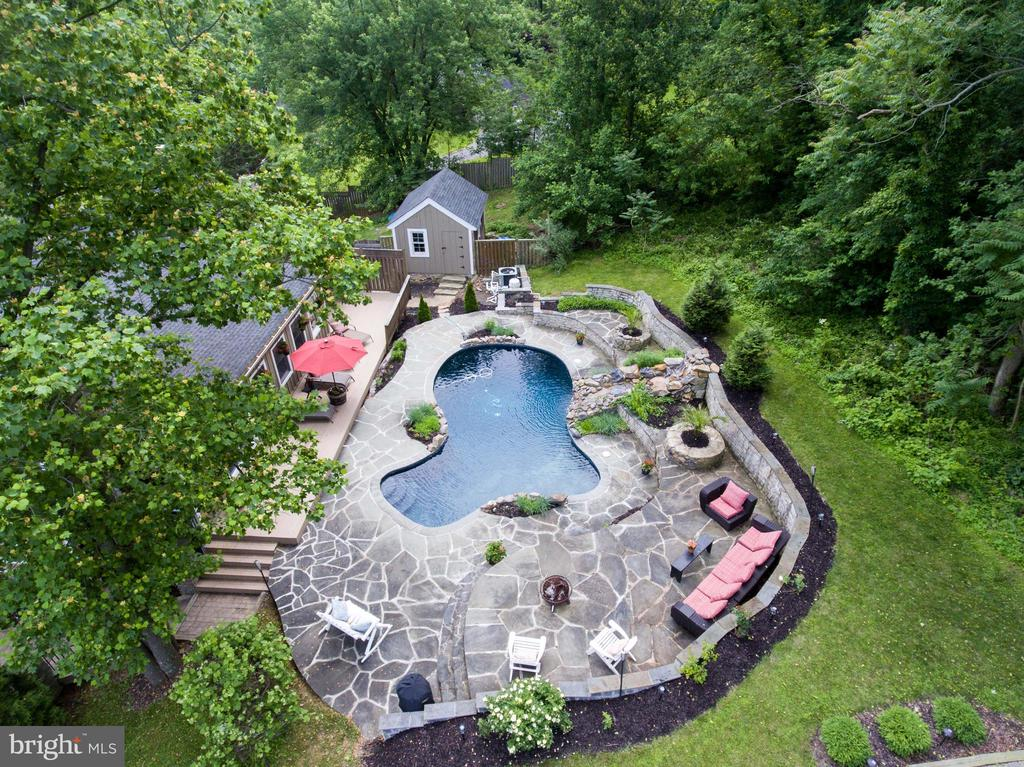 Aerial view of the pool area - 36847 STONY POINT RD, HILLSBORO