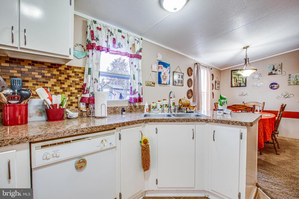 Kitchen - 873 JOHNSON RD, MINERAL