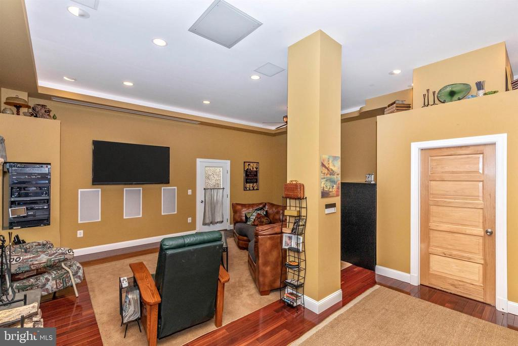TONS of lighting options - All on dimmers - 2180 S CRISSFORD RD, ADAMSTOWN