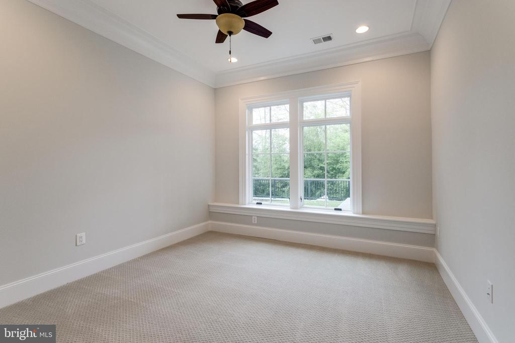 Lower Level Bedroom/Office - 4503 32ND RD N, ARLINGTON