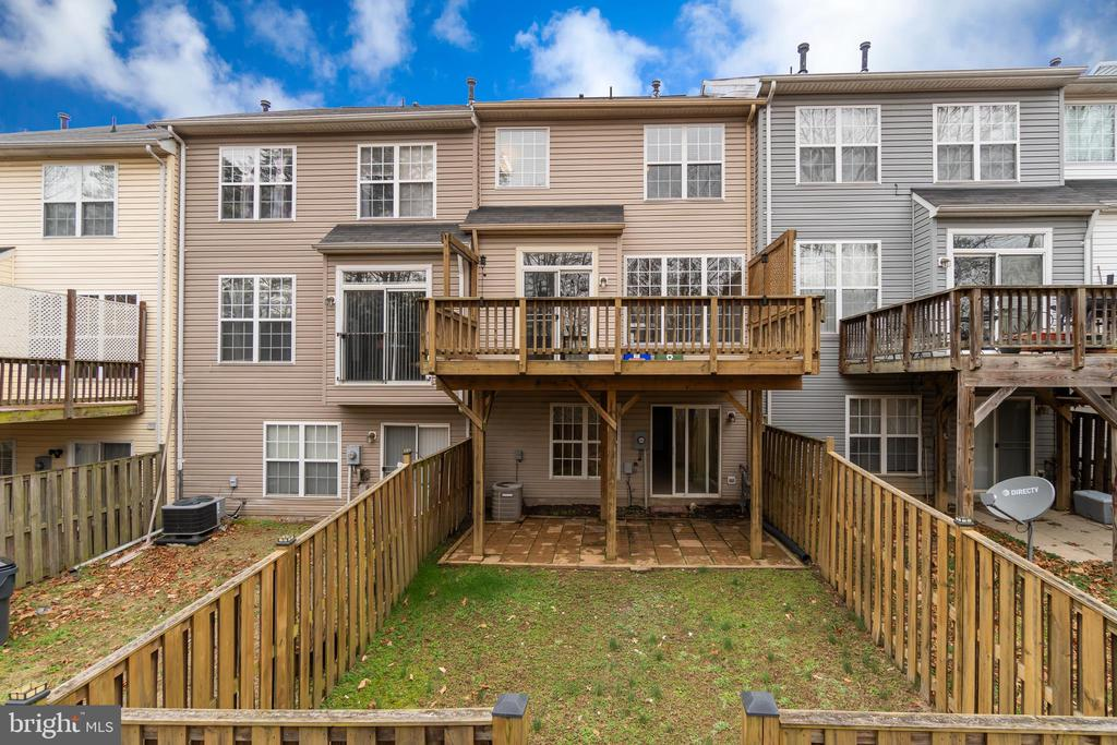 Complete with Deck, Patio & Fence - 109 HILLSIDE CT, STAFFORD