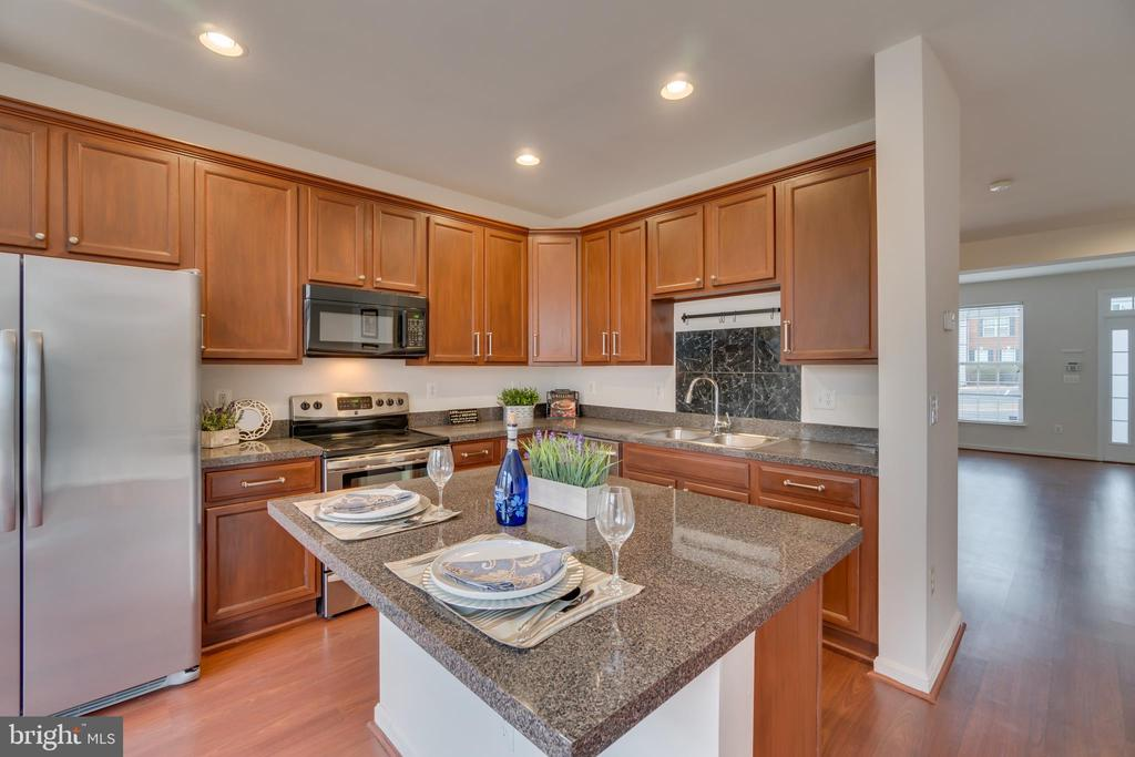 Great Kitchen Island with Room for Seating - 109 HILLSIDE CT, STAFFORD