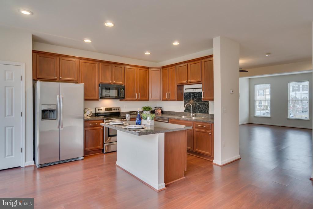 Recessed Lighting Showcases Kitchen - 109 HILLSIDE CT, STAFFORD