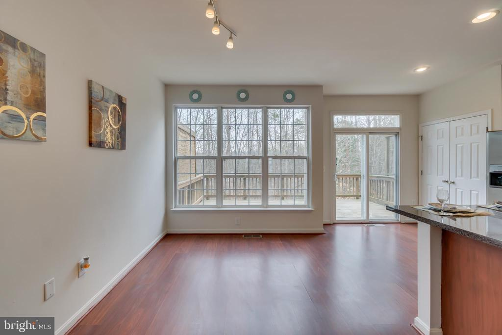 Breakfast Room & Kitchen: Private Wooded View - 109 HILLSIDE CT, STAFFORD