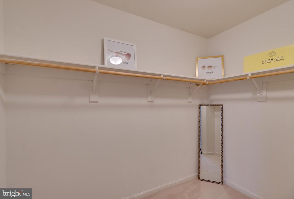 Huge Walk-in Master Closet with Wood Shelf - 109 HILLSIDE CT, STAFFORD
