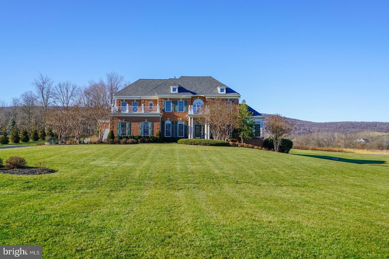 Single Family Homes のために 売買 アット Round Hill, バージニア 20141 アメリカ