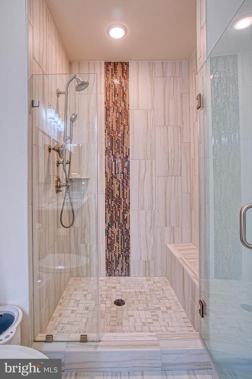 Beautiful Floor to Ceiling Tile - 43095 WYNRIDGE DR #406, BROADLANDS