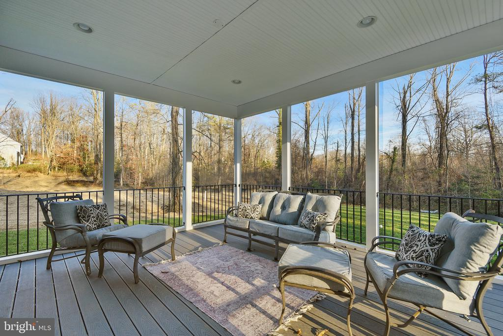 Screened in Porch - 299 BONHEUR AVE, GAMBRILLS