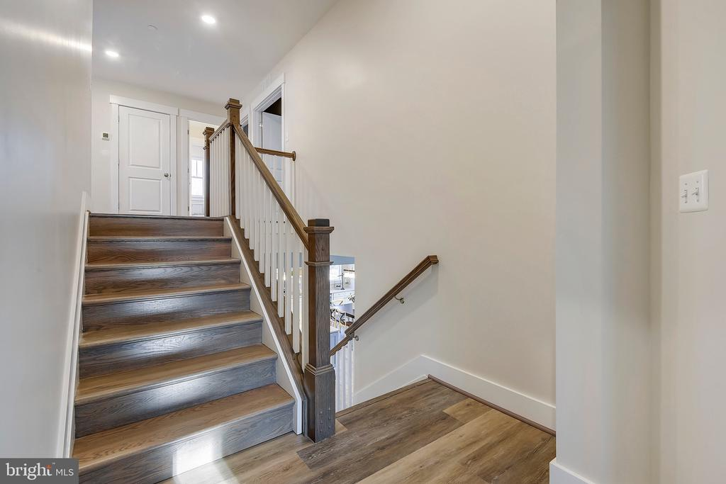 Landing outside of Owner's Suite - 299 BONHEUR AVE, GAMBRILLS
