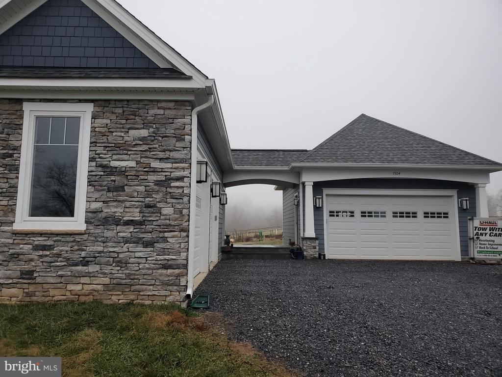 Double two -car garage. - 1504 MARKER RD, MIDDLETOWN