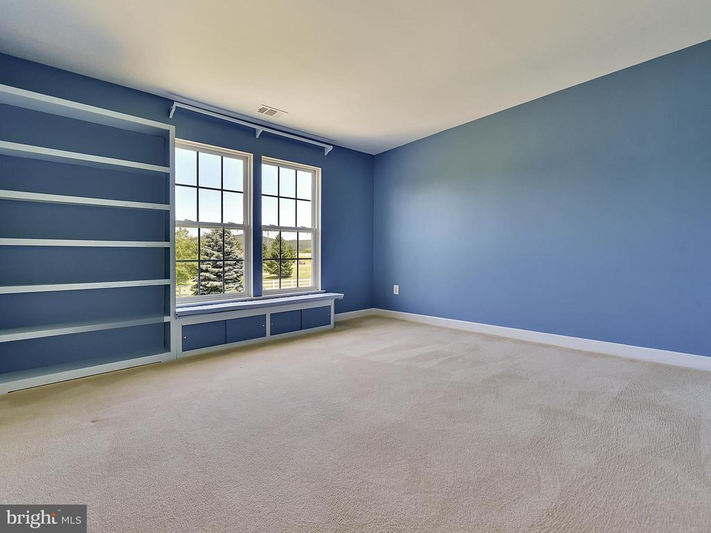 Built-in window seat and book shelves in Bedroom 3 - 110 TOBIAS RUN, MIDDLETOWN