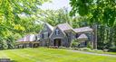 Two Gated Acres in Close In McLean - 1049 BROOK VALLEY LN, MCLEAN