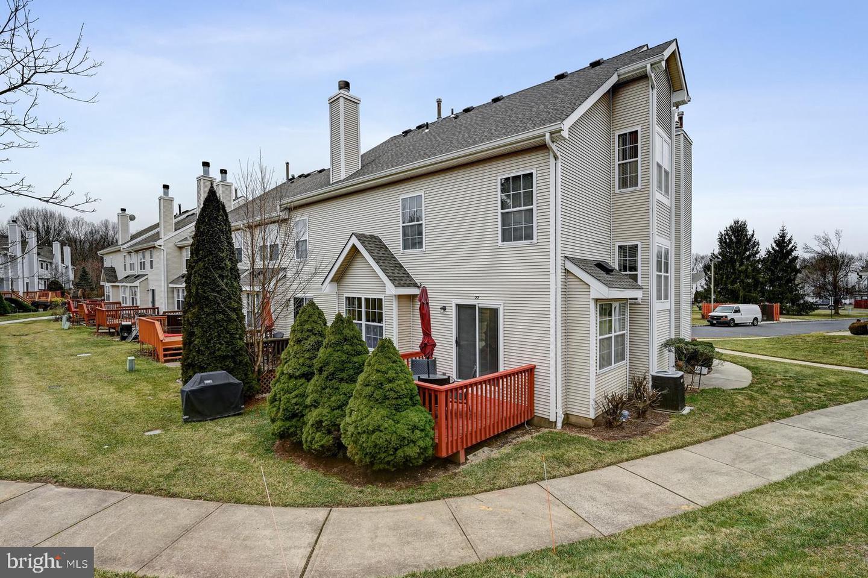 Single Family Homes por un Venta en Monmouth Junction, Nueva Jersey 08852 Estados Unidos
