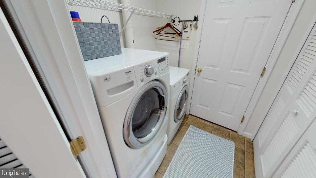 First Level Mud Room/Laundry Room - 416 PHELPS ST, GAITHERSBURG