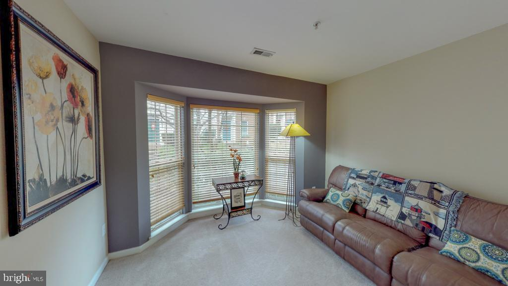First Level Bedroom with En Suite Full Bathroom! - 416 PHELPS ST, GAITHERSBURG
