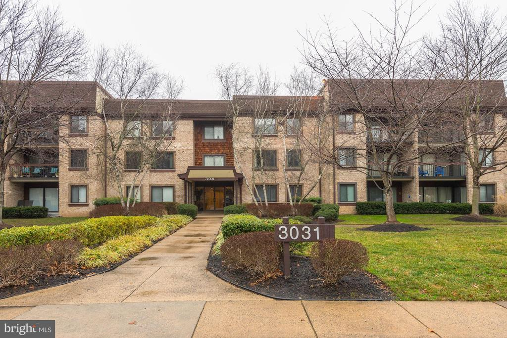 Main Entry to building - 3031 BORGE ST #310, OAKTON