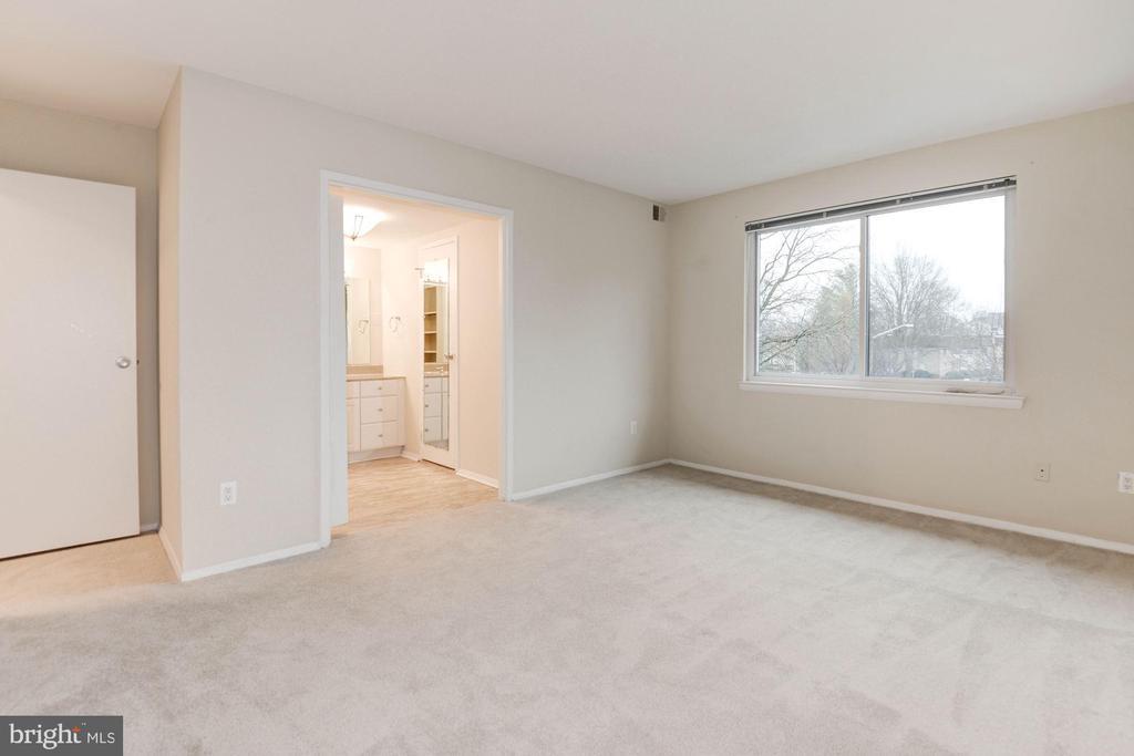 Master Bedroom - 3031 BORGE ST #310, OAKTON