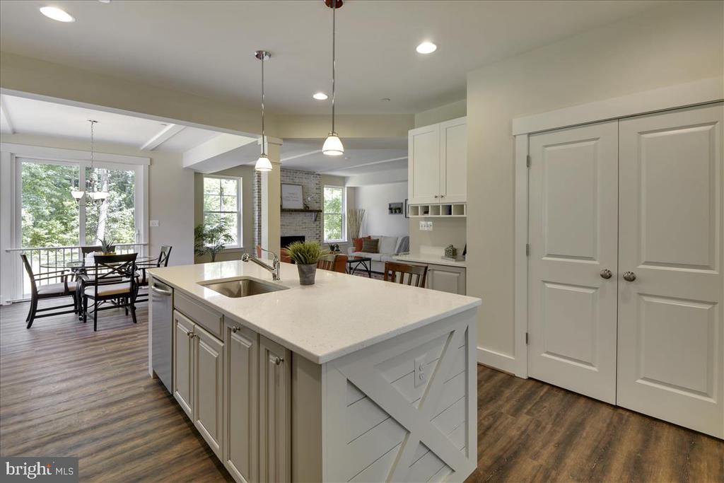 Kitchen with upgraded options - 1512 BEAUX LN, GAMBRILLS