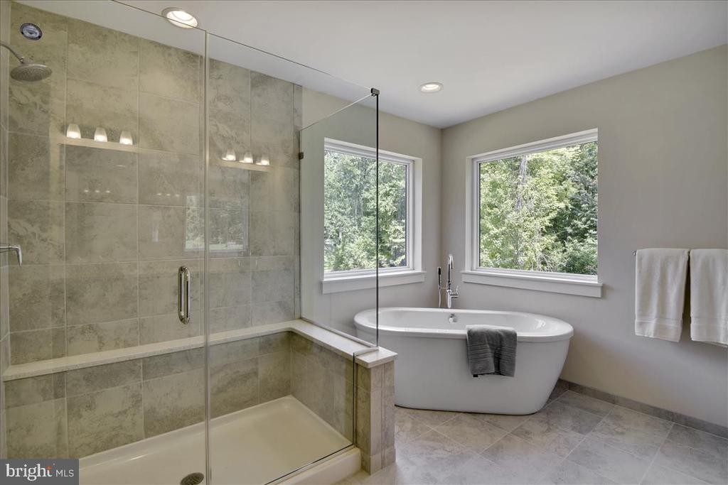 Owner's Suite Bath shown with upgrades - 1512 BEAUX LN, GAMBRILLS