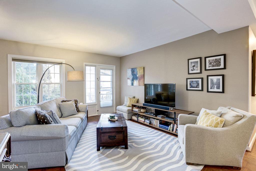 Living Room - So Bright, Light, Sunny, & Airy! - 3335 MARTHA CUSTIS DR, ALEXANDRIA