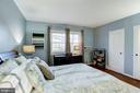 Bedroom - Lovely Large Windows - Great Sunlight! - 3335 MARTHA CUSTIS DR, ALEXANDRIA