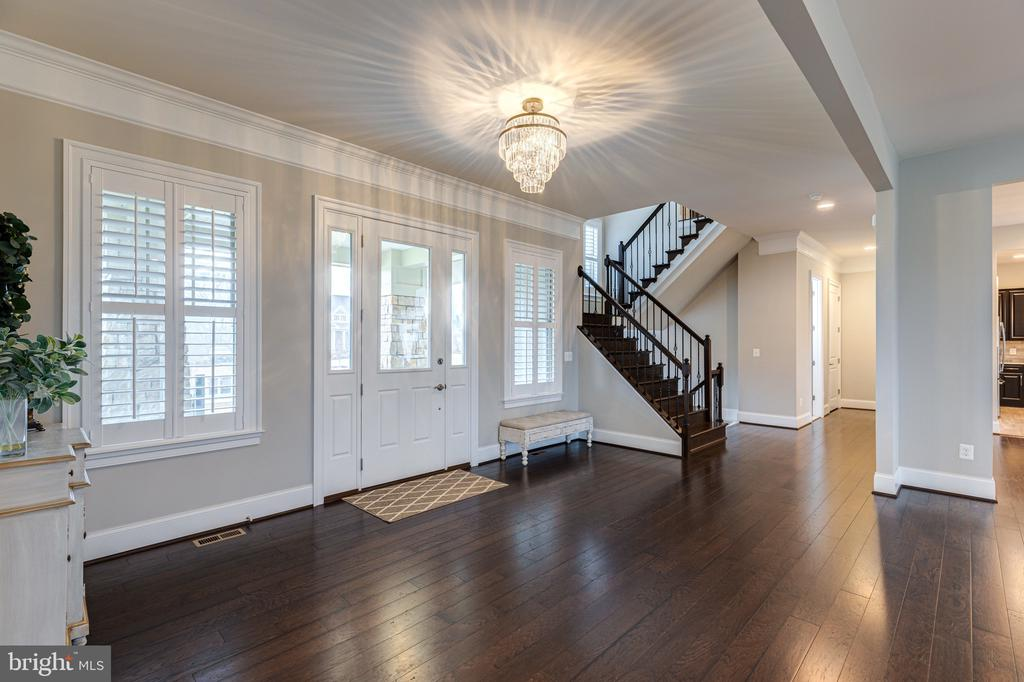 Perfect space to welcome your guests - 22982 HOMESTEAD LANDING CT, ASHBURN
