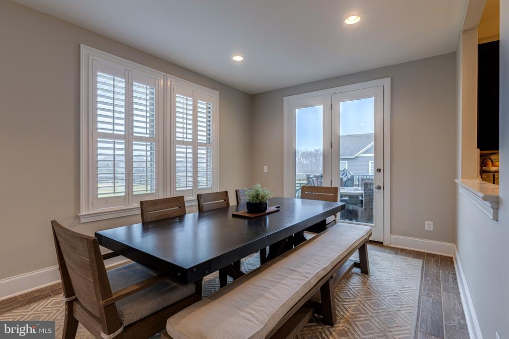 Enjoy your meals with a stunning view - 22982 HOMESTEAD LANDING CT, ASHBURN