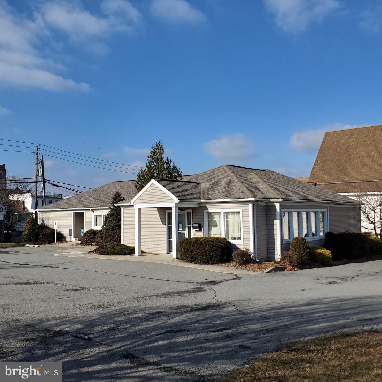 Single Family Homes για την Πώληση στο Mount Carmel, Πενσιλβανια 17851 Ηνωμένες Πολιτείες