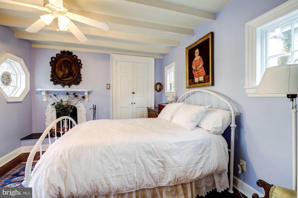 Guest Bedroom on 2nd floor - 211 PRINCE ST, ALEXANDRIA