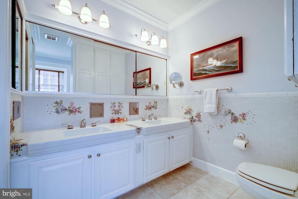 Master Bath - 211 PRINCE ST, ALEXANDRIA