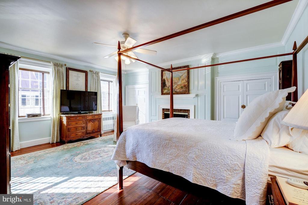 Master Bedroom - 211 PRINCE ST, ALEXANDRIA