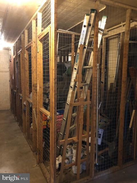 Home Comes with 1 Storage Unit! - 3335 MARTHA CUSTIS DR, ALEXANDRIA