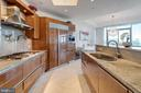 Gourmet kitchen with Snaidero Italian cabinetry - 1881 N NASH ST #2309, ARLINGTON