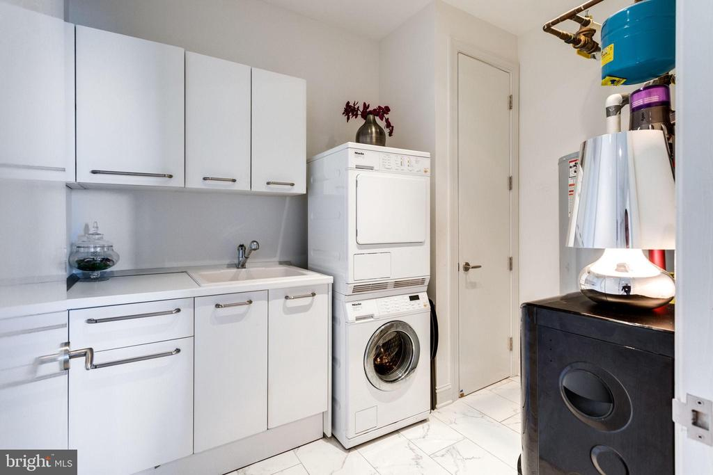 Laundry room w/Miele stacked washer/dryer - 1881 N NASH ST #2309, ARLINGTON