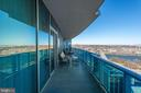 Large private balcony w/spectacular views - 1881 N NASH ST #2309, ARLINGTON