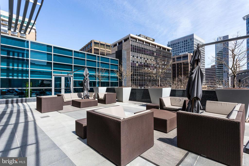 Sun Terrace - 1881 N NASH ST #2309, ARLINGTON