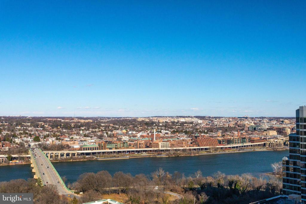 Key Bridge & Potomac River views - 1881 N NASH ST #2309, ARLINGTON