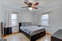 Master bed room with natural light - 5 BREEZY HILL DR, STAFFORD