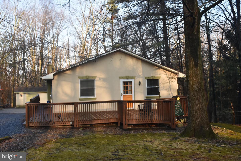 Single Family Homes para Venda às Auburn, Pensilvânia 17922 Estados Unidos