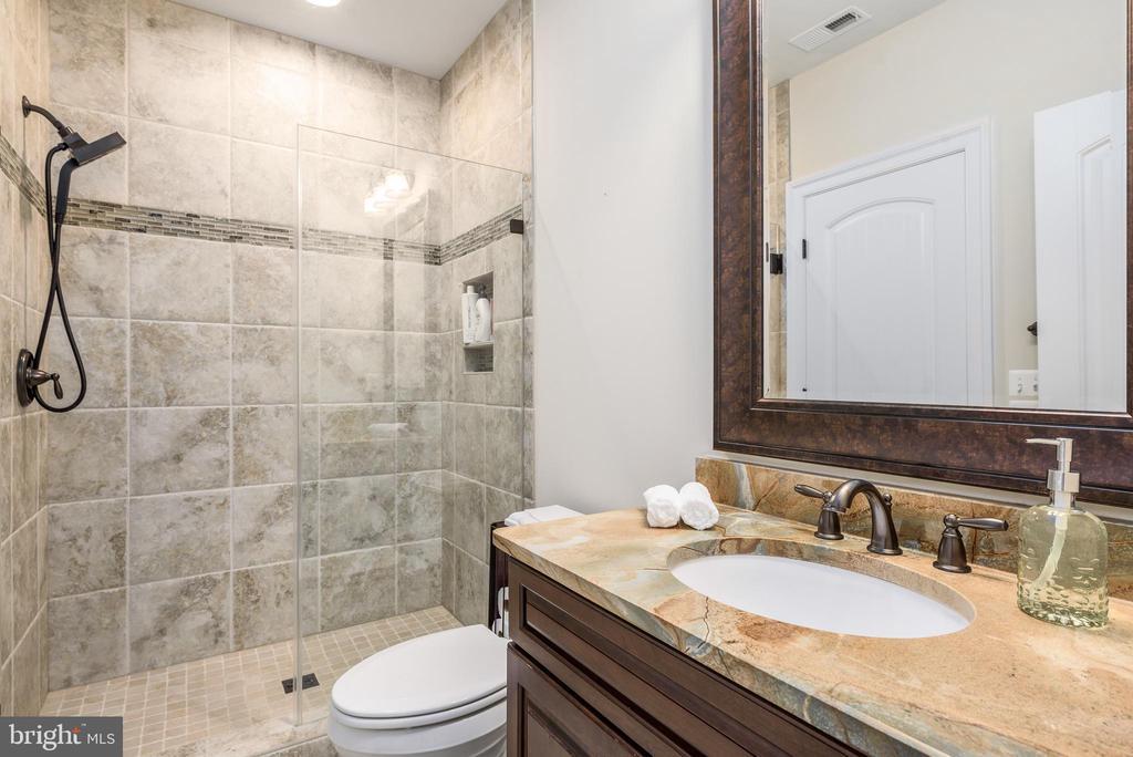 Lower level full bath - 10323 LYNCH LN, OAKTON