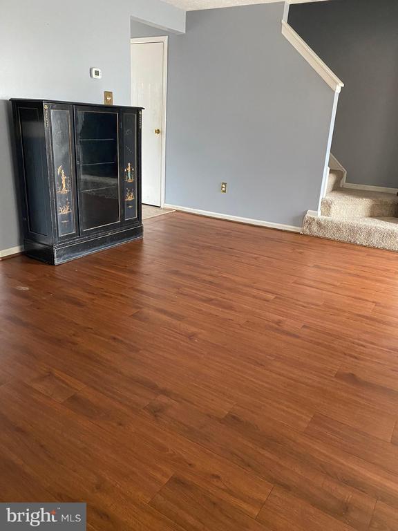 Living room - 8607 BRIAN CT, MANASSAS PARK