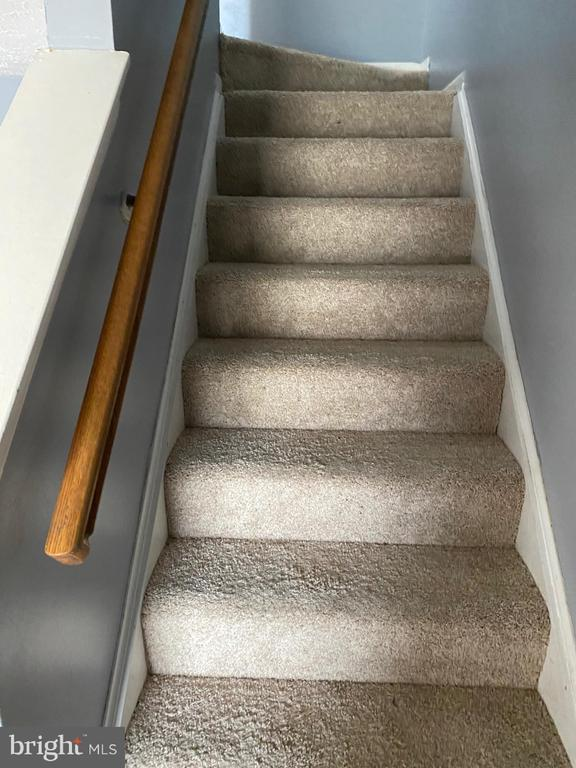 brand new carpet - 8607 BRIAN CT, MANASSAS PARK